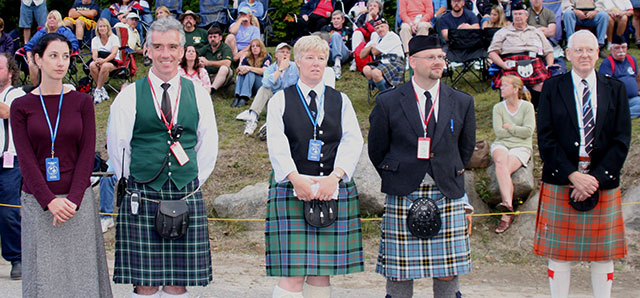 Vancouver Bagpiper supporting Scottish Organizations